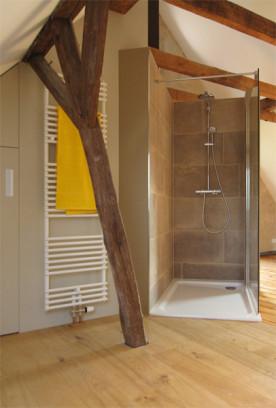 i-ja-dachbodenausbau-dusche-fliese