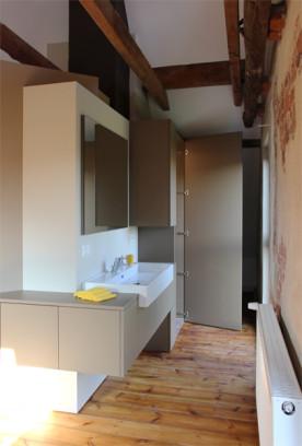 i-ja-dachbodenausbau-wc-schranktür